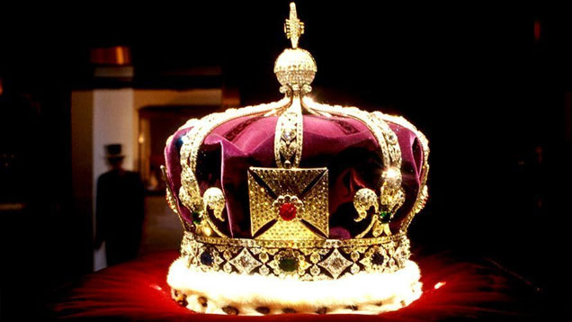 El Rey se empieza a probar la Cibercorona